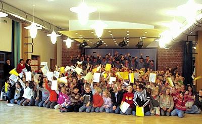 310 Grundschüler und ein Männerchor!