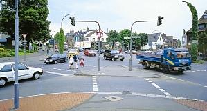 Ampelkreuzung_Ältere Fußgänger