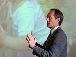 Dr Roger Lauener