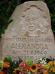 Gedenkstein zu Ehren Alexandras