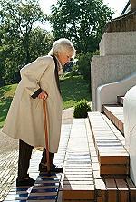 Frau mit Osteoporose