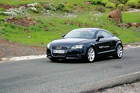 erste Probefahrten im Audi TT 2.0 TFSI über enge Serpentinstraßen