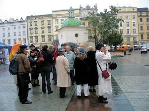 Mitglieder der HA auf d. Marktplatz in Krakau 2298