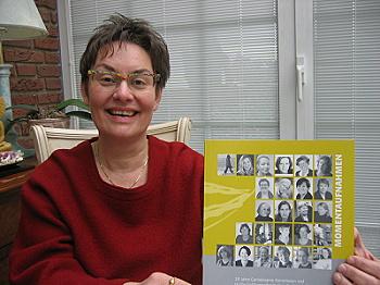 """Die Kulturwissenschaftlerin Dr.Cornelia Göksu hat  """"Momentaufnahmen"""" geschrieben."""