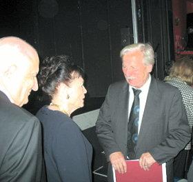 Prof. Dr. Frau und Herr Greve mit Arno Surminski_2440 102